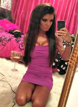 Rosalinda is looking for adult webcam chat