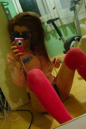 Dorla from Barling, Arkansas is looking for adult webcam chat