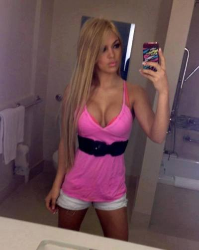 Nguyet from New Jersey is looking for adult webcam chat