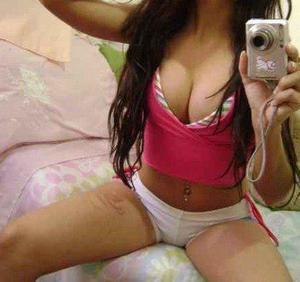 Looking for local cheaters? Take Suzanna from Ridgway, Illinois home with you