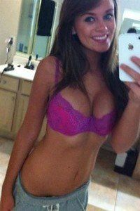 Meet local singles like Jaqueline from Chattaroy, Washington who want to fuck tonight