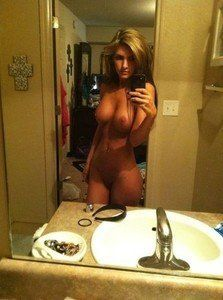 Lorina from Spokane, Washington is looking for adult webcam chat