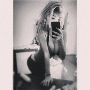 Claudie from Silverdale, Washington is looking for adult webcam chat